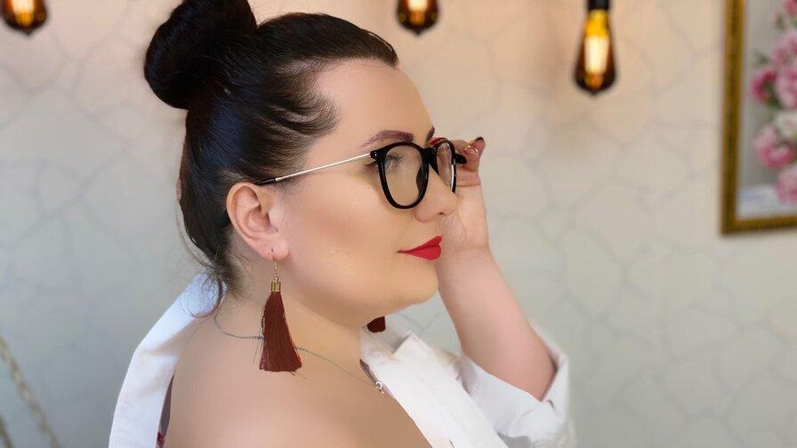 NicoleCari
